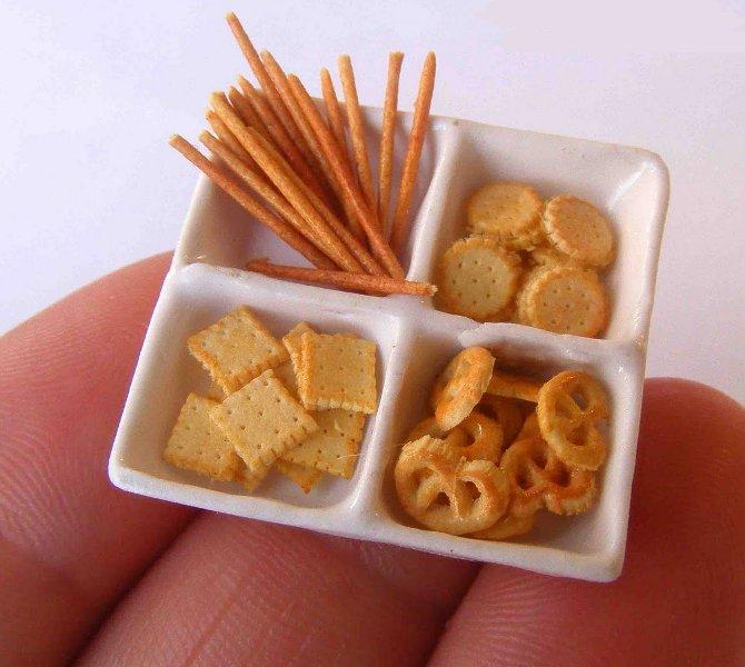 CDHM Artisan Erzsebet Bodzas of Hungarian Miniatures, 1:12 dollhouse miniature foods, hungarian foods, polymer clay