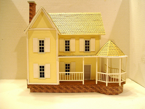 OOAK pink 144 scale dollhouse with lights by CDHM Artisan Lauretta Carroll of Midnight Magic Miniatures