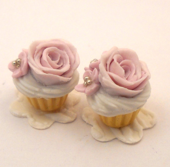 Fancy cupcakes pretty in pink in dollhouse miniature 1/12 scale by CDHM Artisan CDHM Artisan Loredana Tonetti