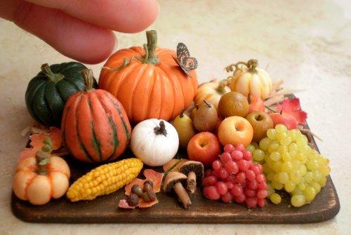1:12 scale OOAK harvest feast of fruits and pumpkins on a prep board by CDHM Artisan Veselina Koleva of Vesper Miniatures