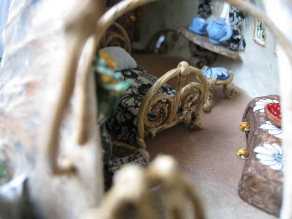 CDHM dollhouse miniature eye candy on the web