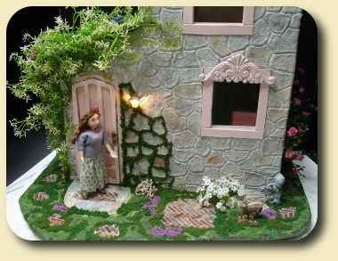 Build a dollhouse from scratch with CDHM Artisan Tracy Topps