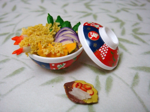 CDHM Gallery of Pauline Chan of P's Design makes hand sculpted dollhouse miniature foods in 1:12 scale for dollhouse miniatures including this Tempura Rice Bowl Set