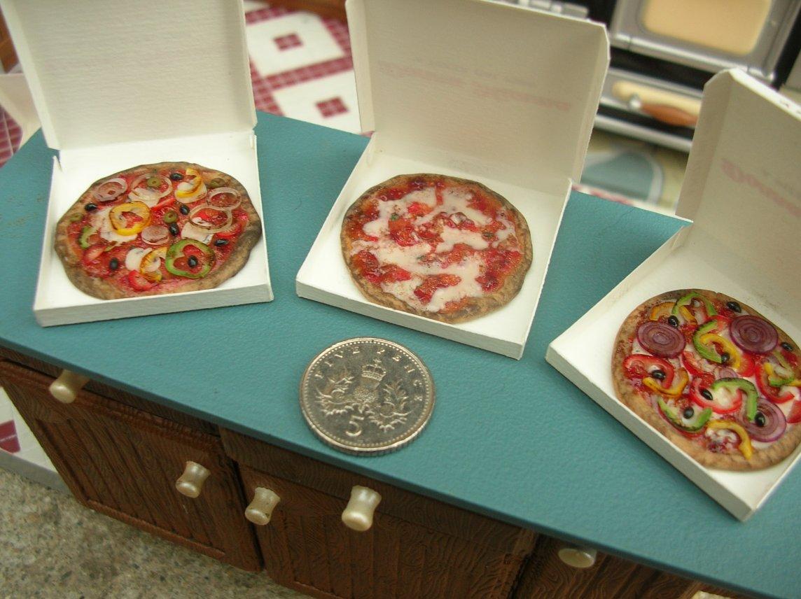 CDHM Artisan Marcella Perodo of Minicaretti Miniaturas 1:12 foods for the dollhouse miniature collector