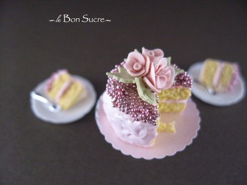 CDHM Gallery of Monica Cado Shellabarger makes 1:12 dollhouse miniatures foods specializing in Paris miniature foods
