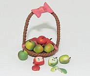 cdhm dollhouse miniature forum, Janis Higgins of Gardens Of Utopia creates 1:12 scale dollhouse miniature foods like apples