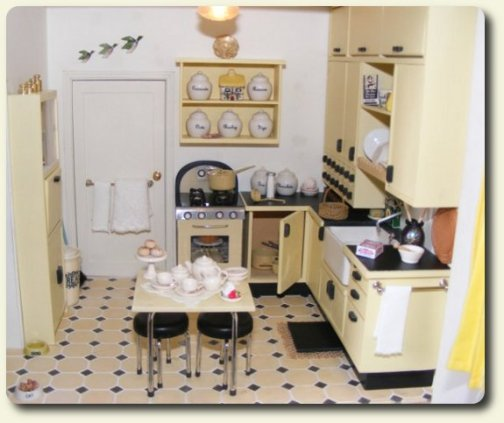 Miniature Kitchen: Www.cdhm.org February 2010 CDHM Feature On Dollhouses