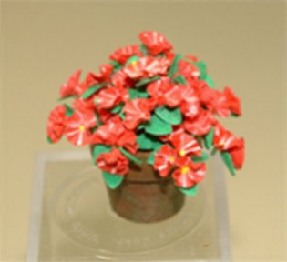 Learn to make miniature flowers from IGMA Artisan Era Pearce
