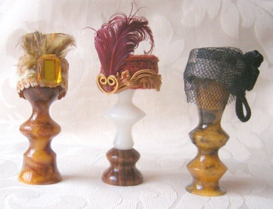 learn to make a 1/12 scale dolls house size dolls hat